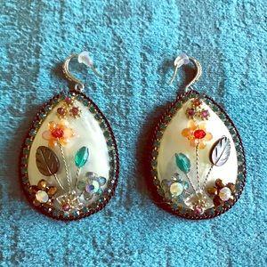 WOW floral shell rhinestone fashion earrings, WOW